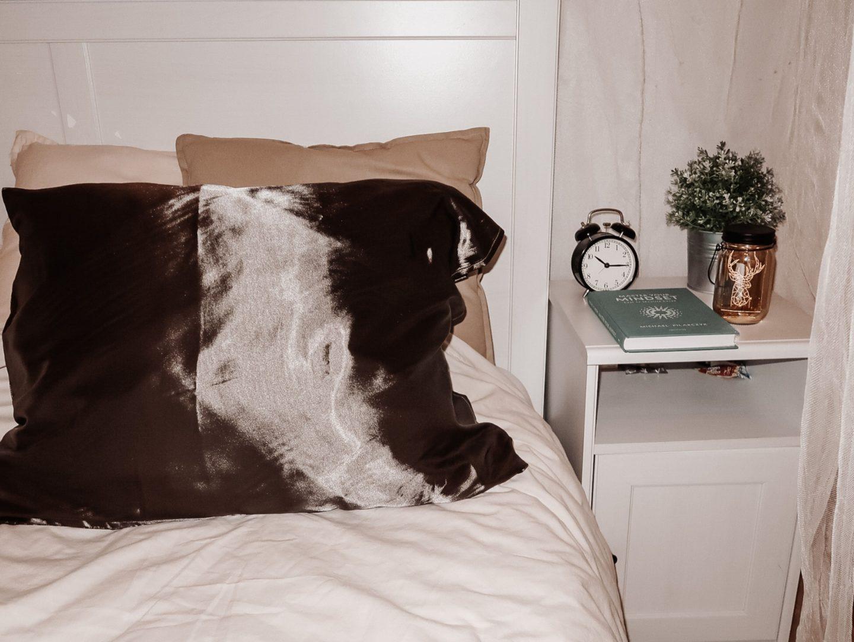 Satin Pillow: De voordelen van een satijnen kussensloop